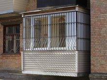 Отделка балкона решетками на окна фото