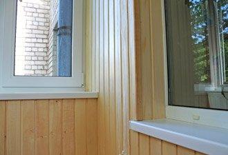 стоимость внутренней обшивки балкона