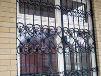 Кованые решетки на окна и двери