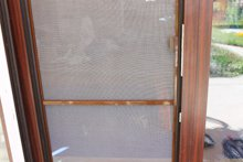 Москитные сетки на двери